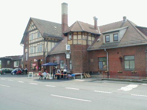 Vorderseite Bahnhof Dorndorf